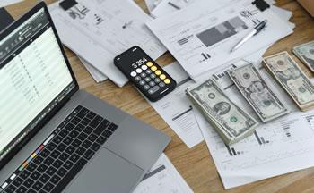 九大行业年平均工资超10万 榜首IT